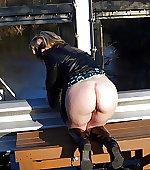 Wife flash ass