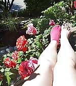Toes and rose